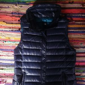 Gap navy blue puffer down vest